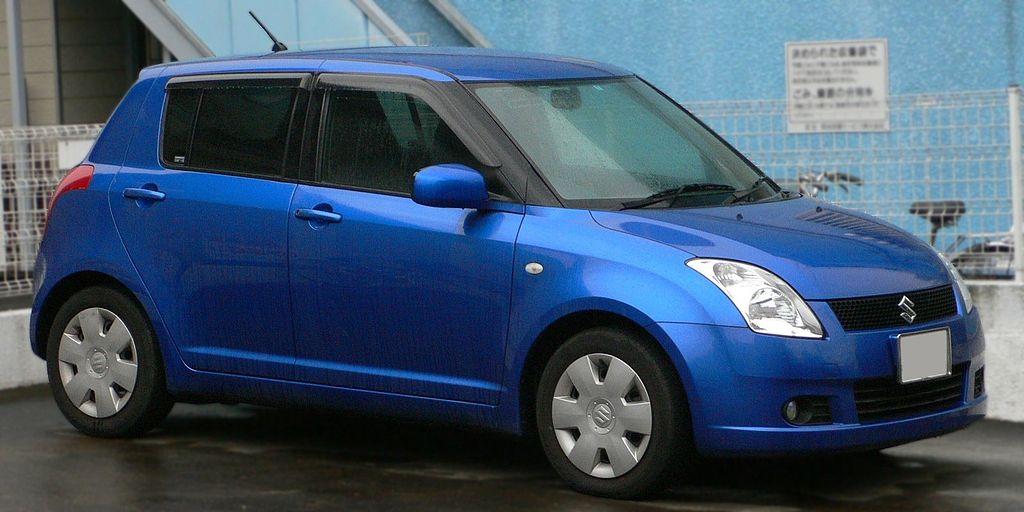 1024px-2004_Suzuki_Swift_01