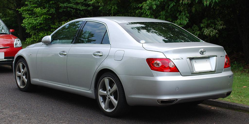 1024px-2004_Toyota_Mark-X_02
