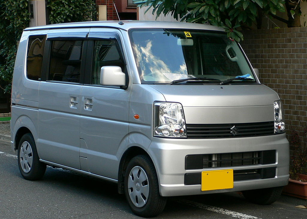 1024px-2005_Suzuki_Every_01