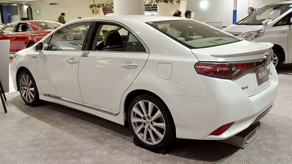 1024px-2013_Toyota_SAI_02