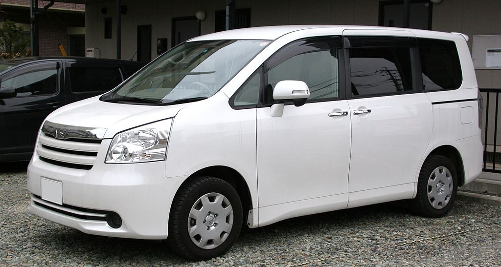 1024px-2nd_generation_Toyota_Noah