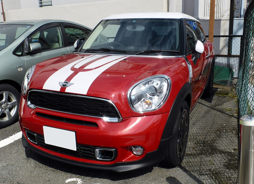 1024px-BMW_MINI_PACEMAN_COOPER_S_(R61)_front