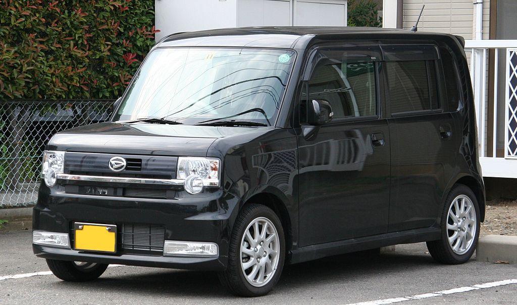1024px-Daihatsu_Move_Conte_Custom