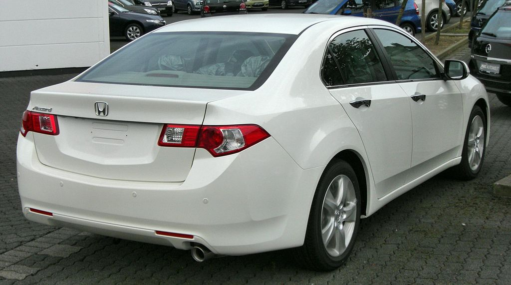 1024px-Honda_Accord_(2008)_rear