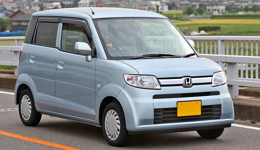 1024px-Honda_Zest_001