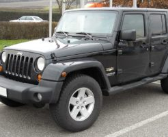 1024px-Jeep_Wrangler_Unlimited_front_20081213