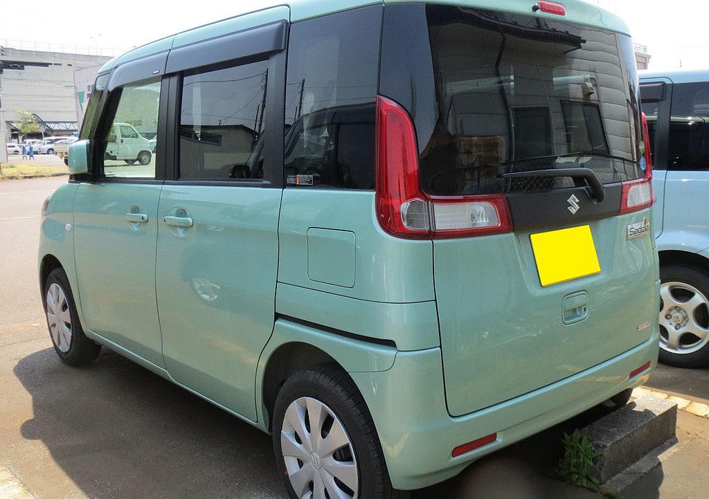 1024px-Suzuki_Spacia_MK32S_Rear_03