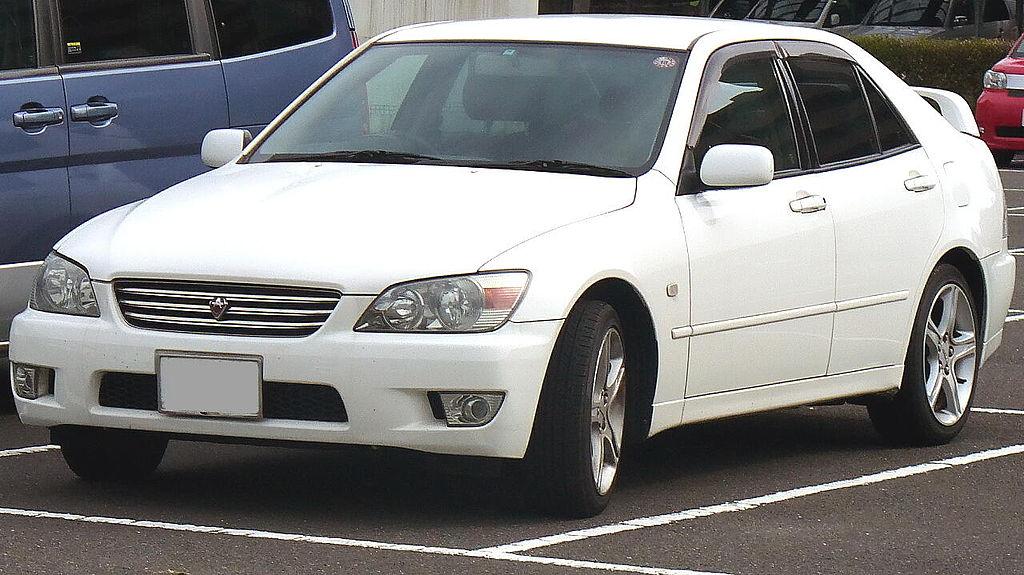 1024px-Toyota_Altezza