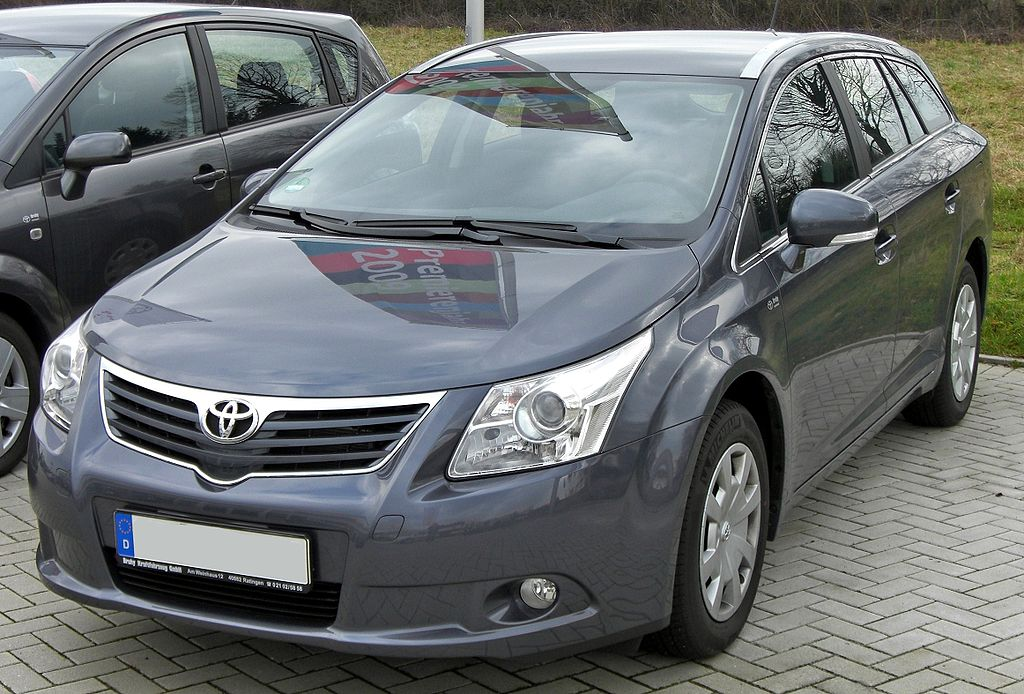 1024px-Toyota_Avensis_Combi_III_20090314_front