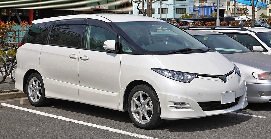 1024px-Toyota_Estima_R50_001