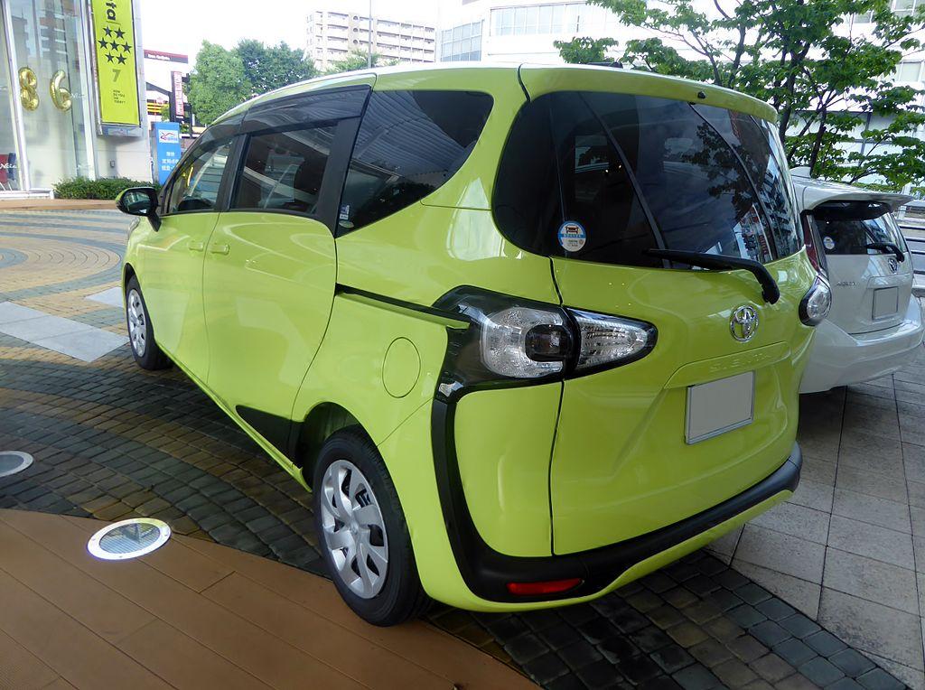 1024px-Toyota_SIENTA_X_(DBA-NSP170G)_rear