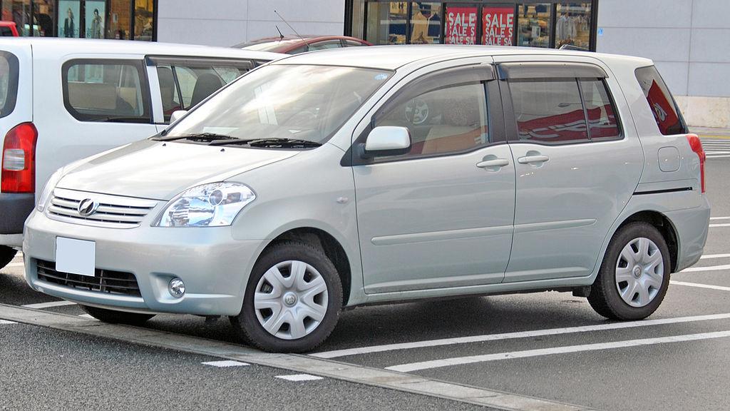 1024px-Z20_Toyota_Raum_1