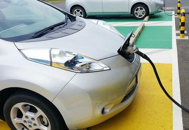 エコカー(電気自動車)