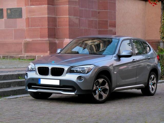 高級車(BMWX1)